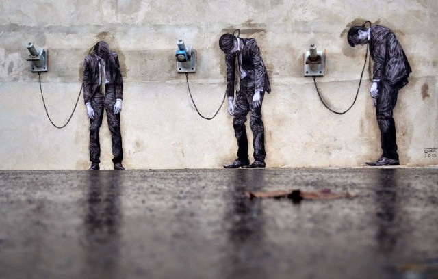 February has just started and it's time for our monthly top 10 street art pieces (ranking based on StreetArtNews' unique page-views), with a brilliant piece from Levalet in Paris, featuring as number one for January 2015.